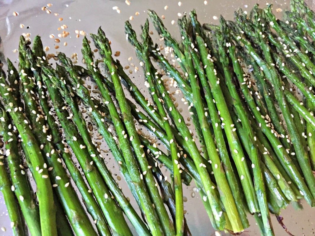 oven-roasted-asparagus-with-sesame-seeds