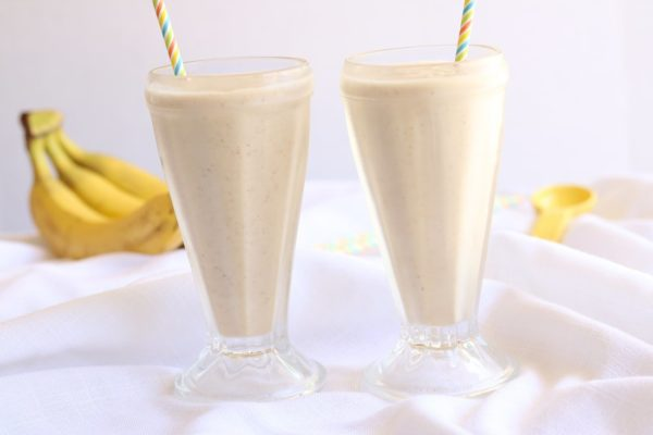 dairy-free-banana-cream-pie-shake